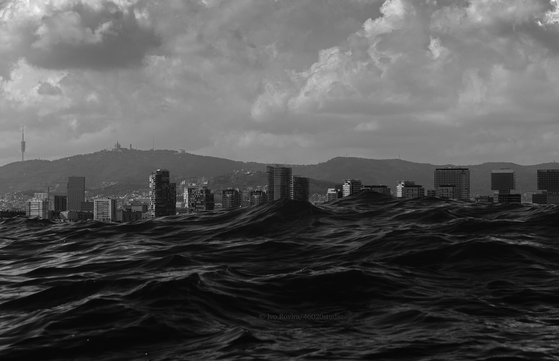 Barcelona con mar de fondo.