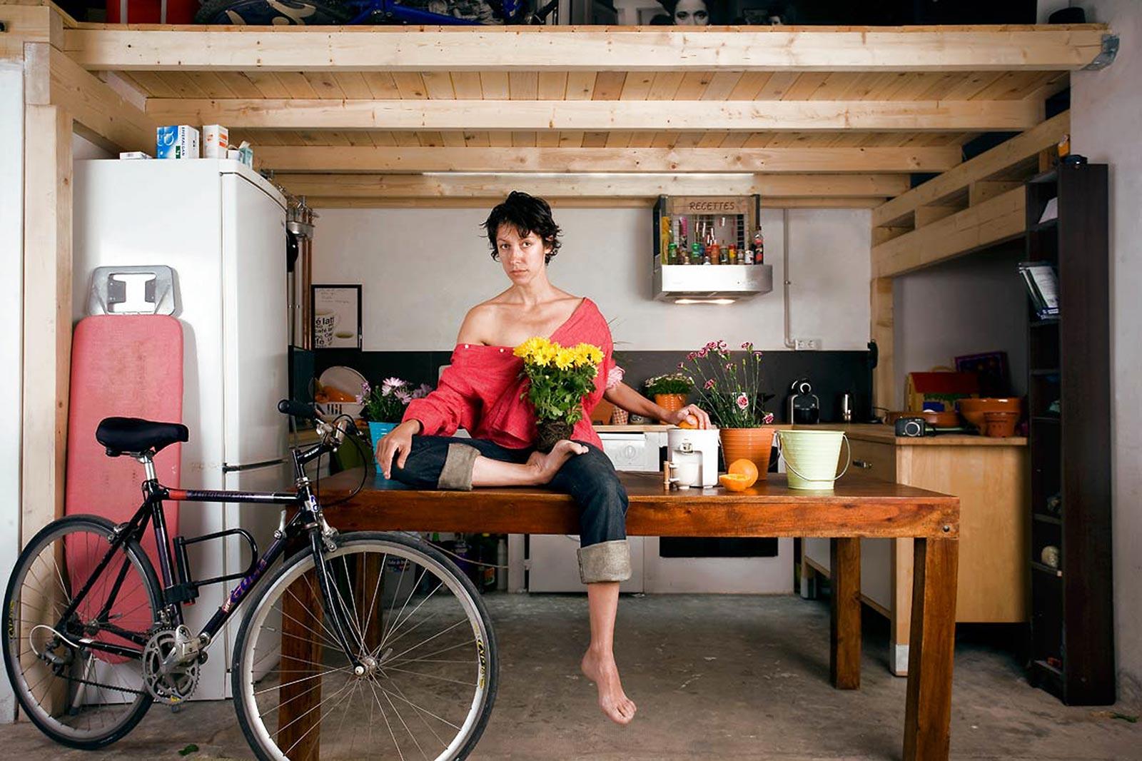 Ana Ponce, fotógrafa, en su estudio
