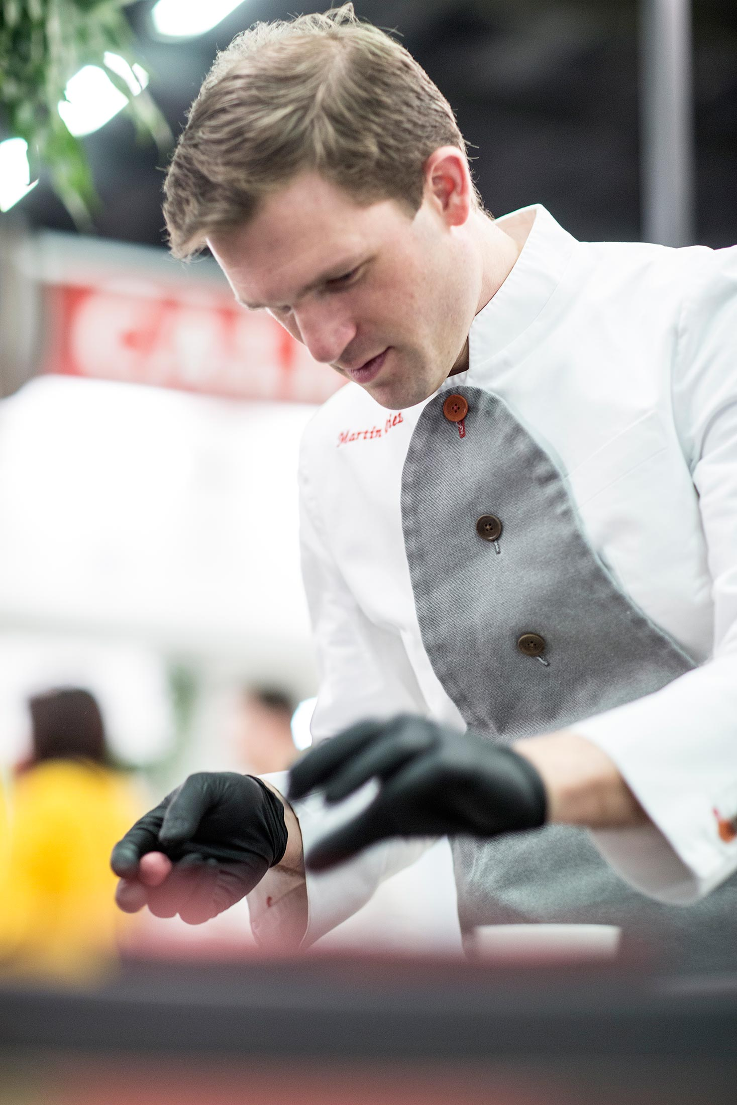 Chef Martín Diez at work